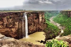 Bahuti-Falls11883.jpg