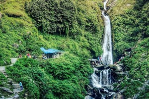 Bhagsunag Waterfall near Manali