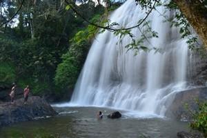 Chelavara_Falls.jpg