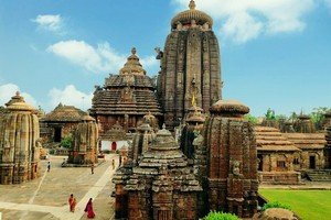Lingaraja Temple Complex Bhubaneswar near Chilika Lake