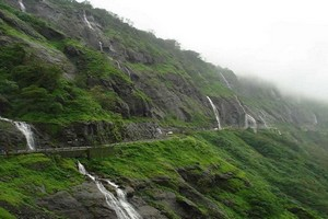 Malshej Ghat near Umbrella Falls