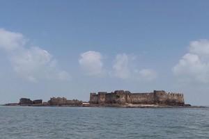 Padmadurg Fort near Murud Beach