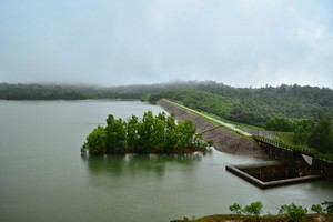 Savehaklu-Reservoir57112.JPG