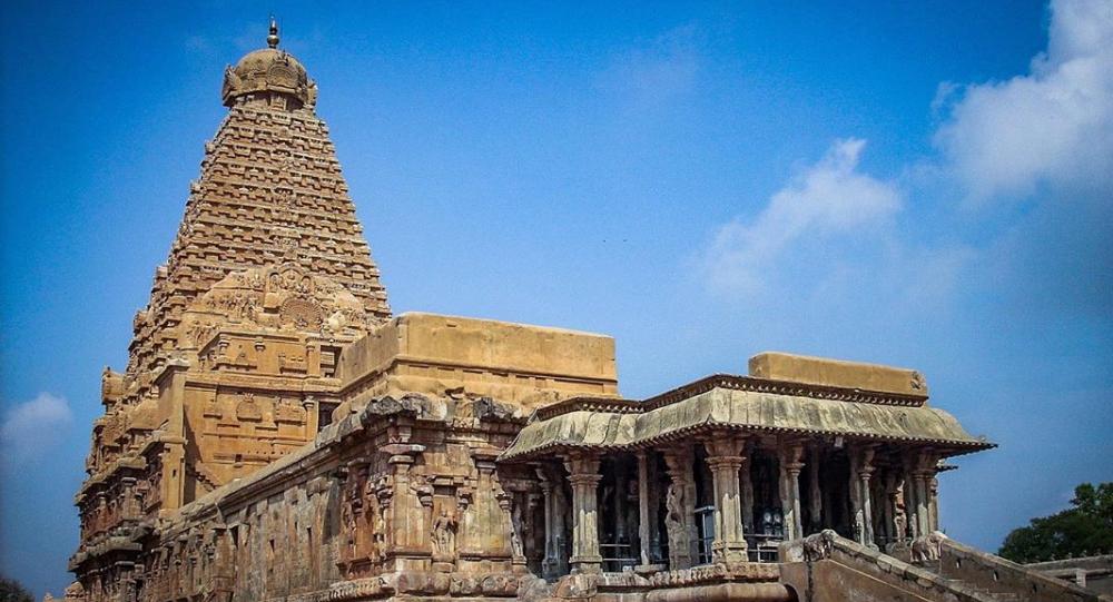 Brihadeeswarar temple, Rajarajesvaram or Peruvudaiyār Kovil