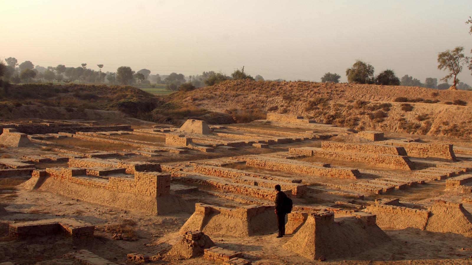 Dholavira A Harappan City, Dholavira